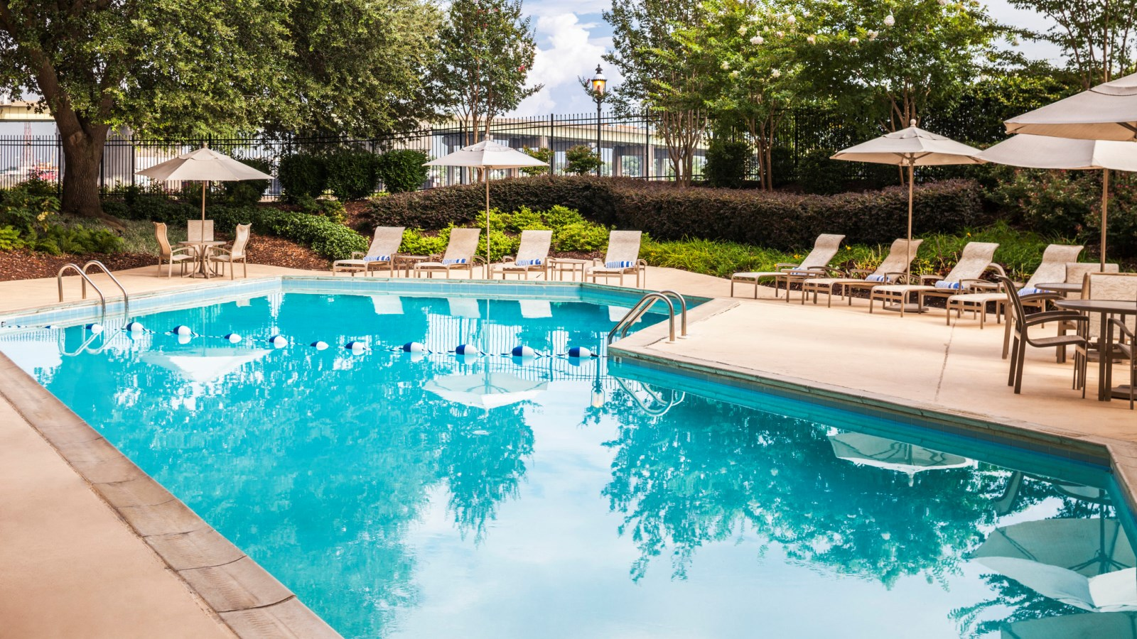 Outdoor pool at Sheraton Norfolk Waterside Hotel