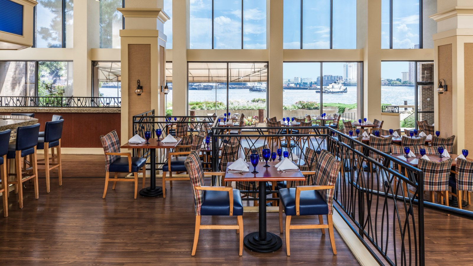 City Dock Restaurant at the Sheraton Norfolk Waterside Hotel